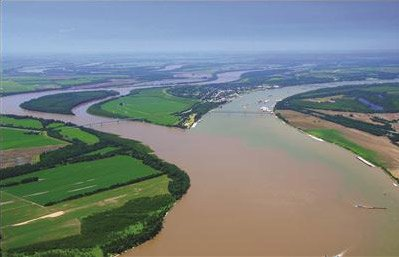 Aerial photo of the Ohio River at Cairo, Illinois