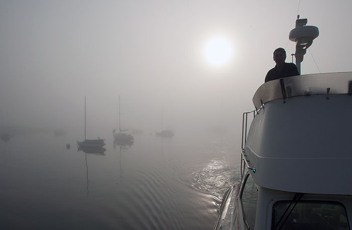 Navigating fog in a powerboat