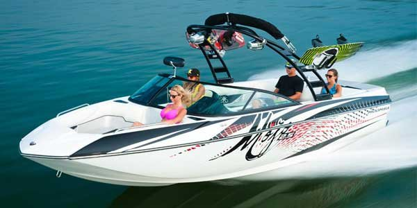 Photo of a Ski and Wakeboard Boat - Moomba Mojo 2.5