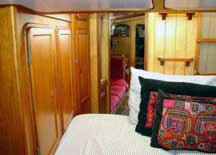 Photo of the V-berth looking aft.