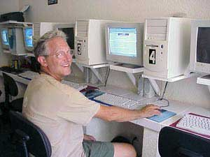 Photo of Douglas downloading email in Isla Mujeres