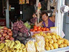 Photo of a fruit and vegetable market