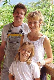 Photo of Tony and Rita Vorleiter with their daughter Stephanie
