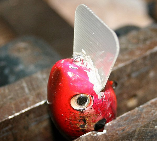 Photo of a new lip inserted into new crankbait