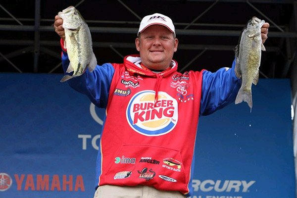 Photo of Bassmaster Elite Pro Kurt Dove at weigh-in