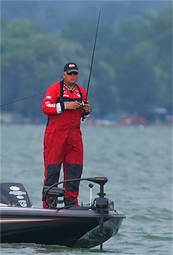 Photo of pro angler Kurt Dove bass fishing