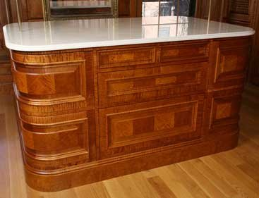 Curved cabinet