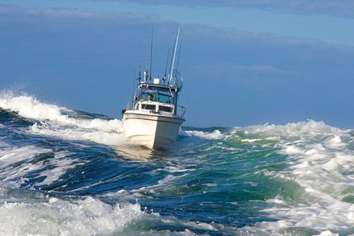 Boat Wakes And Bad Tempers - BoatUS Magazine