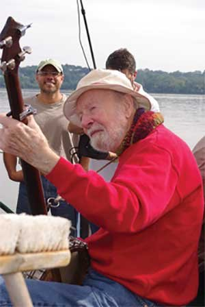 Pete Seeger playing a concert