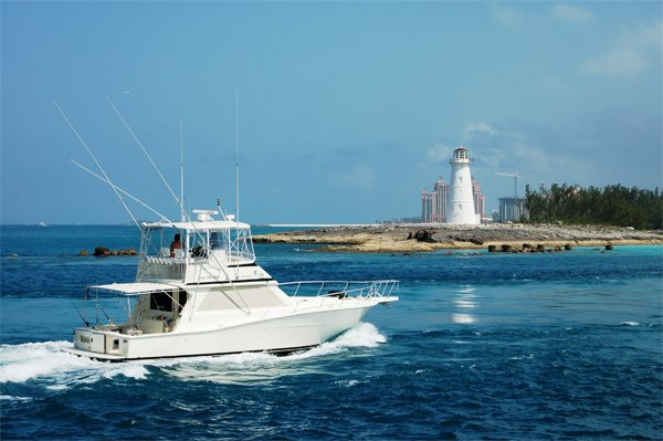 Photo of entering the western end of Nassau Harbor