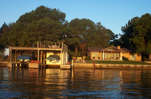 Photo of home on Lake Conroe
