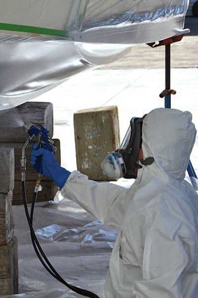 Photo of spraying on copper-based antifouling paint