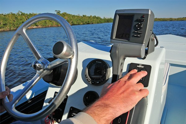 Photo of positioning a fishfinder