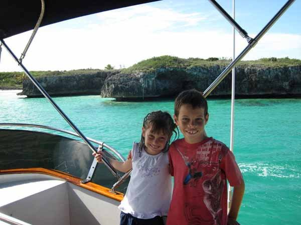 Photo of Nickolas and Eileen cruising the Bahamas