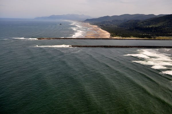 Photo of Oregon's Tiillamook Inlet jetties