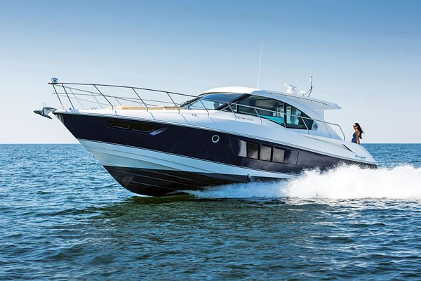 Photo of a Cruisers Cantius 45