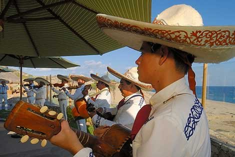 Photo of musicians at Cabos Resort