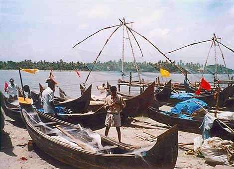 Photo of fishermen in Cochin, in the Indian state of Kerala