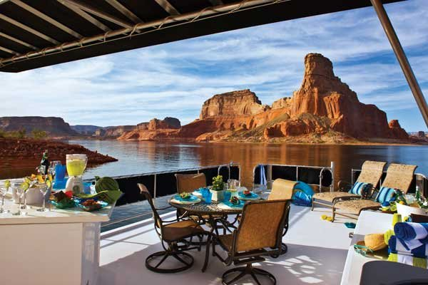 Photo of houseboating on Lake Powell