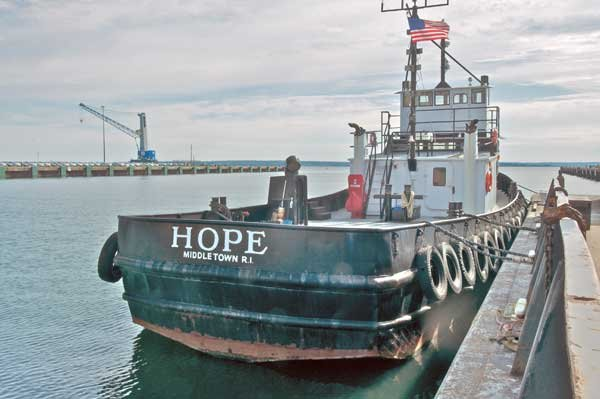 Photo of the tug Hope