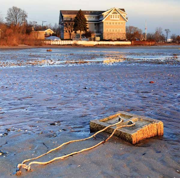 Photo of a Great Lakes mooring that lies exposed