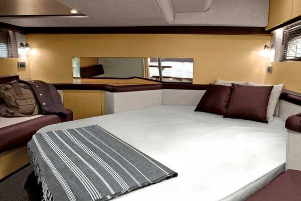 Photo Of The Sea Ray 370 Venture Interior