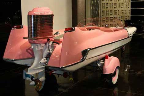 Photo of a pink Meteor boat