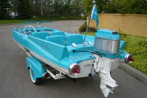 Photo of aqua Glass Slipper on a trailer