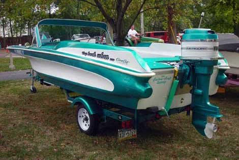 Photo of a green Custom Craft with fins