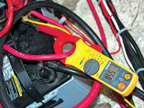 How To Use A Digital Multimeter on switch fuse