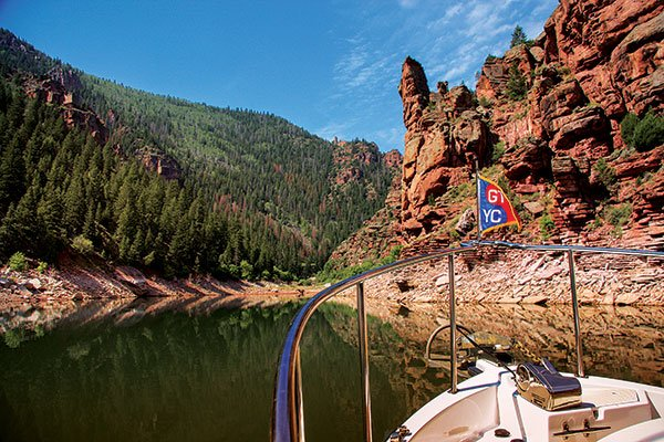Utah's Hidden Boating Jewel: Flaming Gorge Reservoir