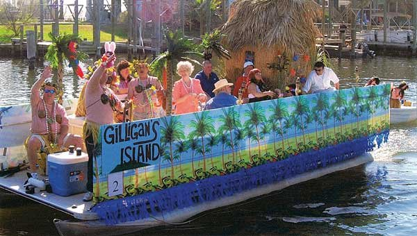 Photo of Gilligan's Island-themed boat