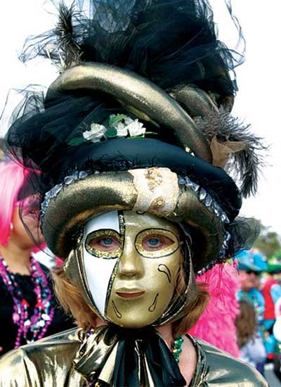 Photo of a Mardi Gras masquer