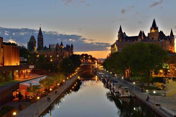 Photo of boats along the Rideau Canal in Ottawa.jpg