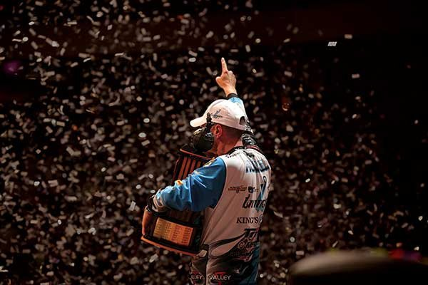 Photo of Bassmaster 2014 winner Randy Howell