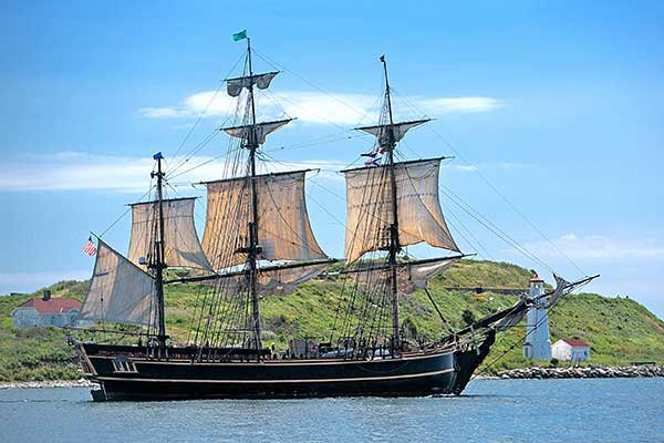 Photo of HMS Bounty in Halifax, NS