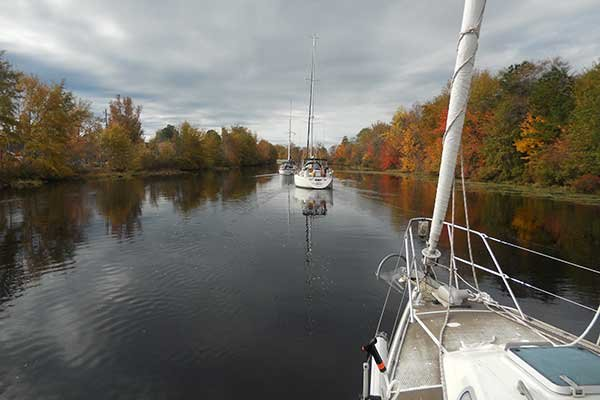 Photo of sailing on Dismal Swamp Canal in Virginia