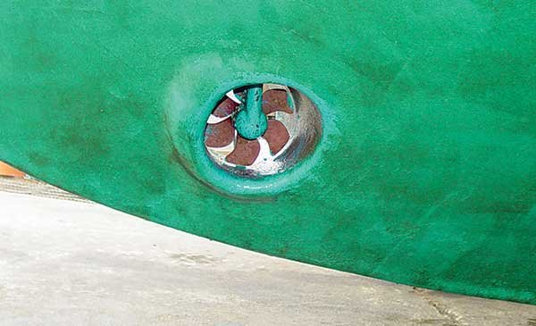 Photo of a single prop bow thruster