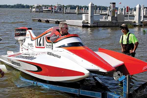 Old Outboard Racers Never Die - BoatUS Magazine