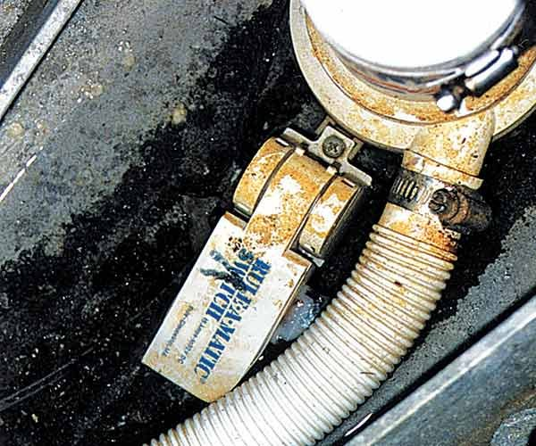 Photo of a trapped bilge pump switch