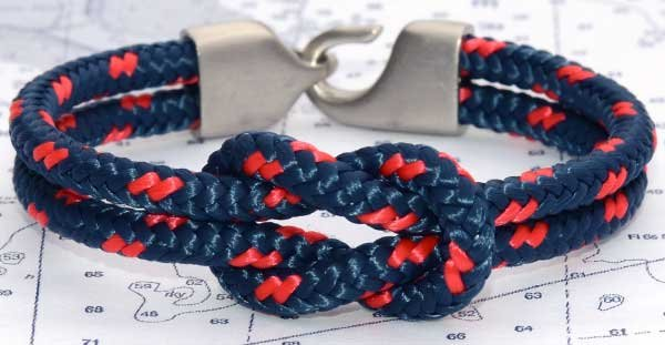 Photo of a square knot bracelet