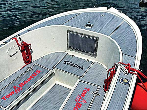 Boat deck alternatives boatus magazine photo of mako with seadek solutioingenieria Image collections