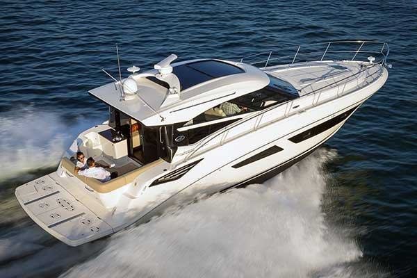 Photo of the 2015 Sea Ray Sundancer 470