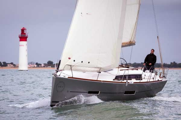 Photo of the Dufour 382
