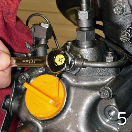 Bleeding A Marine Diesel Engine - BoatUS Magazine