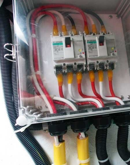 avoiding boat electrical mistakes boatus magazine poor wiring on a brand new boat