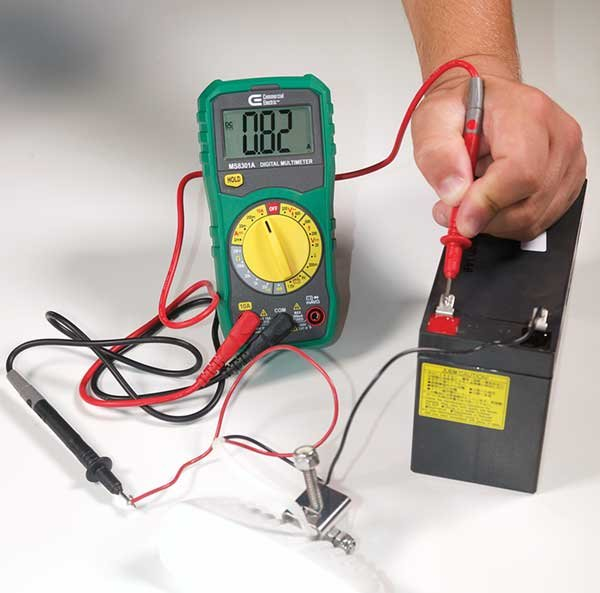 Measuring current with a multimeter