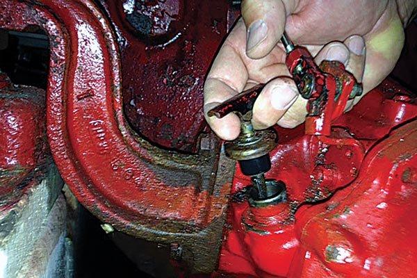 Inboard Transmission Maintenance - BoatUS Magazine