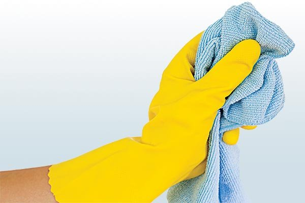 Cleaning with a microfiber cloth