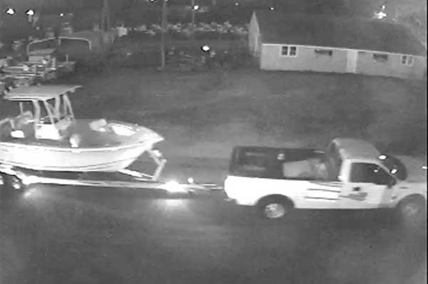 Boat and trailer theft caught on video camera